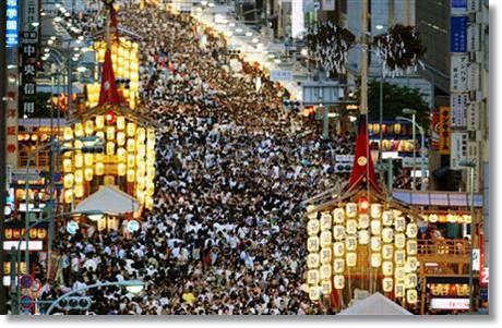 eeeb59483c977b169cb625edec72214b 京都の2016祇園祭の出店情報!穴場の場所やおすすめの屋台は?